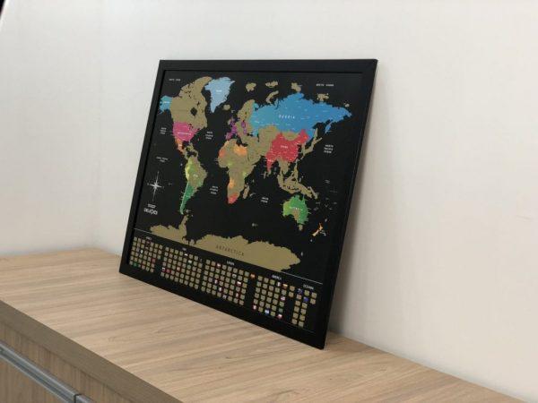 Mapa Mundi de Raspar moldura preta