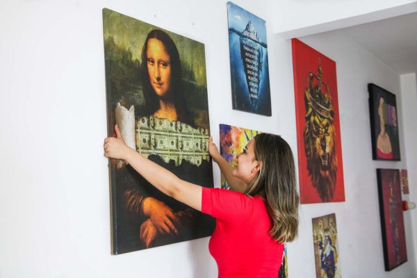 Quadro A Incrível Money Lisa em tela na parede