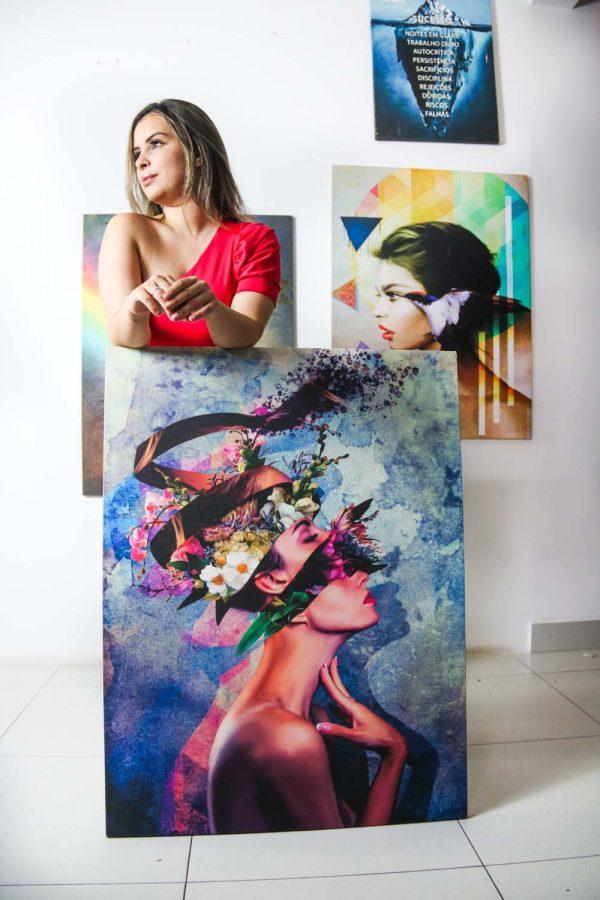 Quadro decorativo A Mulher Geométrica em tela com apresentação