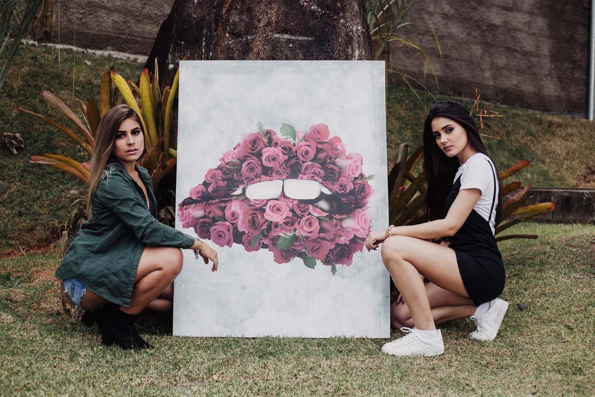 Quadro La Boca Cor de Rosas em tela com detalhe