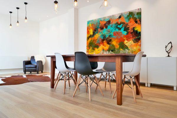 Quadro Abstrato Corado em tela com detalhe na mesa