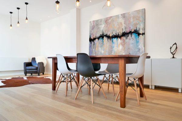 Quadro Abstrato Fenda em tela com detalhe na mesa
