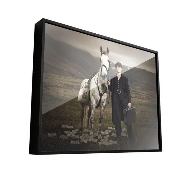 Quadro Decorativo Tommy Shelby e seu cavalo Branco Shelby